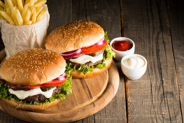Hamburger with meat and tomatoes