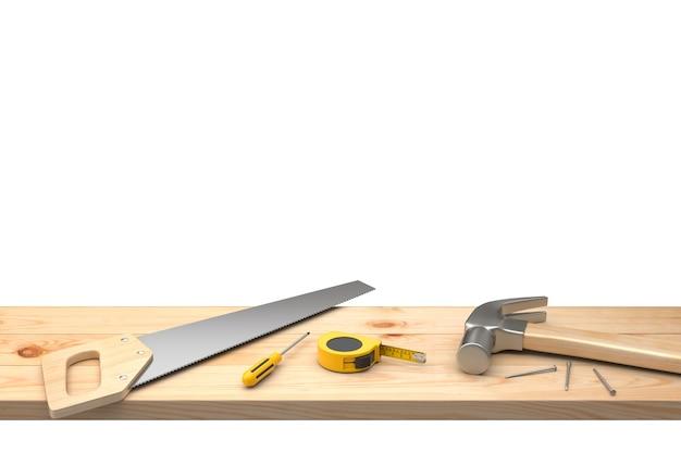 Молоток, гвозди, пила, отвертка и укладка ленты лента на деревянном столе