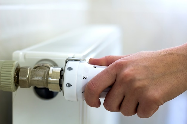 Hand adjusting valve knob thermostat of heating radiator