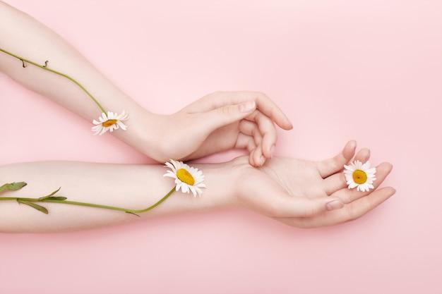 Мода hand art ромашка натуральная косметика женская