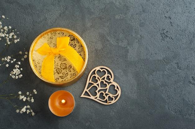 활, 조명 촛불 손으로 만들어진 황금 선물