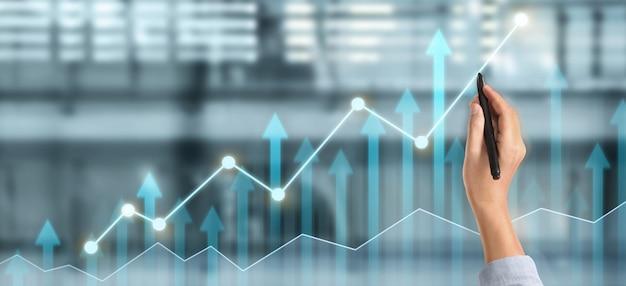 Диаграмма рисования руки, прогресс графика роста бизнеса, анализ финансовых и инвестиционных данных, стратегия бизнес-планирования