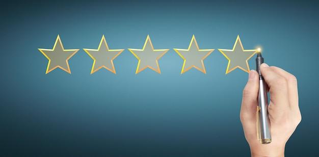 Ручная ничья пять звезд оценки рейтинга