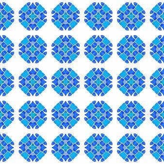 手描きの緑のモザイクのシームレスな境界線。ブルーの素敵な自由奔放に生きるシックな夏のデザイン。テキスタイル対応の好感の持てるプリント、水着生地、壁紙、ラッピング。モザイクのシームレスなパターン。