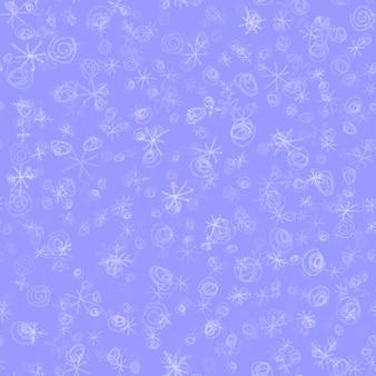 Ручной обращается снежинки рождество бесшовные модели. тонкие летающие хлопья снега на фоне снежинок мела. потрясающий снежный покров, нарисованный от руки мелом. величественное украшение курортного сезона.