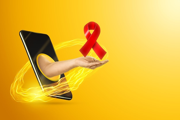 Рука держит красную ленту через смартфон