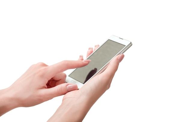 Рука держит большой сенсорный смартфон
