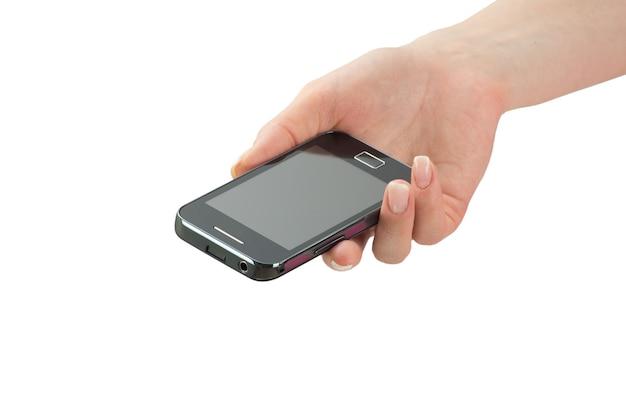 Рука держит мобильный смартфон с пустым экраном