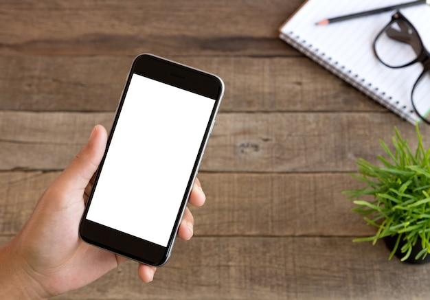 Рука с телефоном чистая и удобная настройка на экране