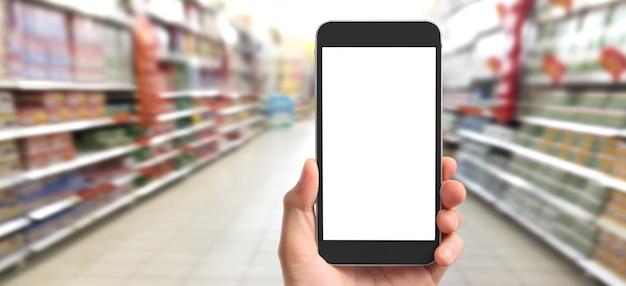 Рука смартфон и сенсорный экран, бизнес-владелец работает. интернет-магазины малого и среднего бизнеса. купить и продать онлайн