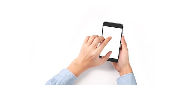 Рука держит смартфон и сенсорный экран