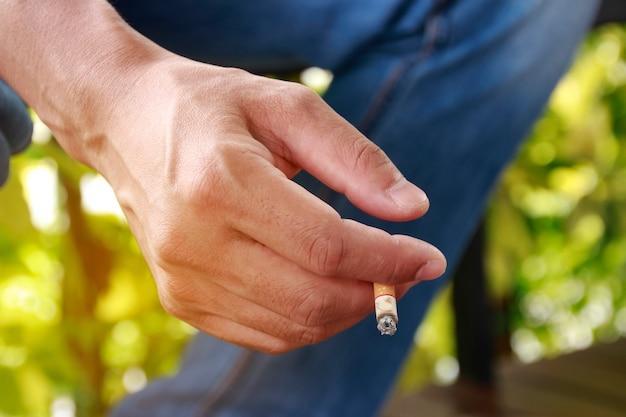 Hand hole cigarete