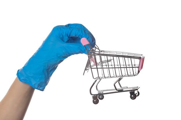 의료 장갑에 손을 보유 쇼핑 트롤리 흰색 절연