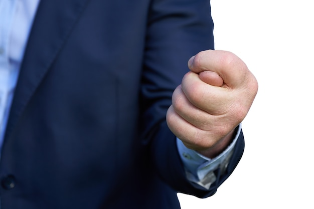 파란색 양복을 입은 사업가의 손은 흰색 배경에 격리된 무화과 기호 클로즈업을 보여줍니다. 전면보기. 허용되지 않는 조건 개념의 거부.