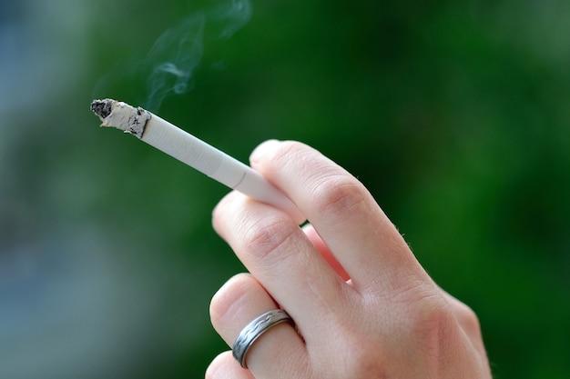 «рука курильщика»