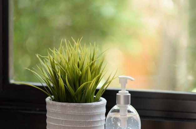 Дезинфицирующее средство для рук или жидкое мыло для гигиены рук для защиты