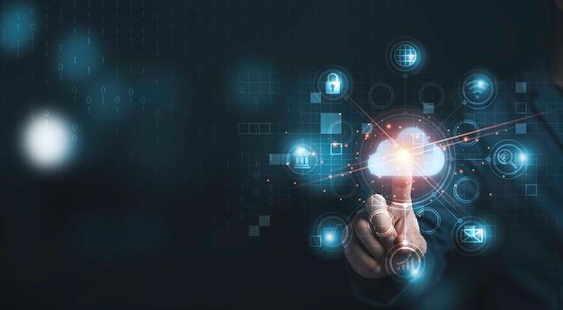 손으로 만지는 인포그래픽 클라우드 컴퓨팅 및 기술 아이콘, 클라우드 기술은 인터넷 뱅킹, 암호 및 쇼핑과 같은 생활 방식과 기밀 정보를 중앙 집중화합니다.