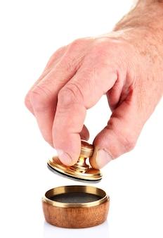 흰색 절연 금속 우표로 손
