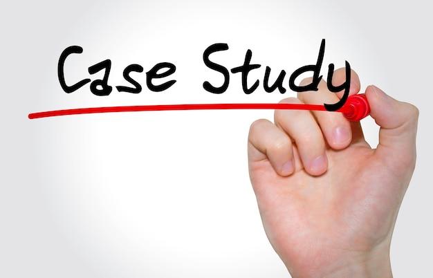 손 표시와 함께 비문 사례 연구를 작성