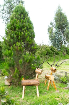 クリスマスの装飾のための手工芸品の木製トナカイ
