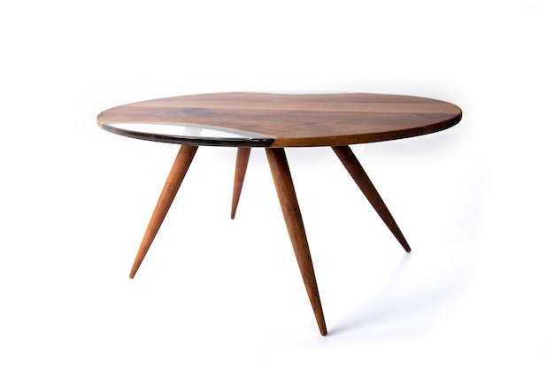 桜の木とエポキシ樹脂で作られた手作りのコーヒーテーブル