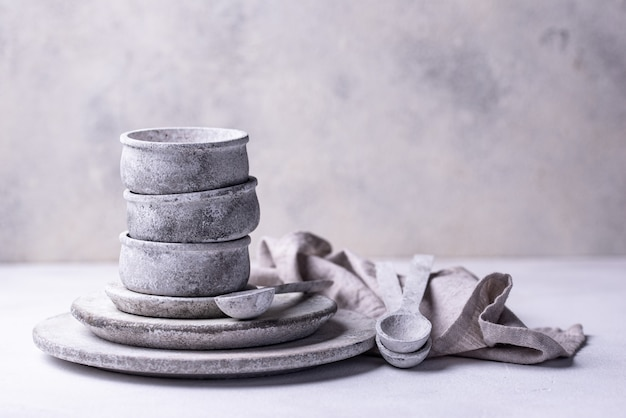 Бетонные плиты и чаши ручной работы