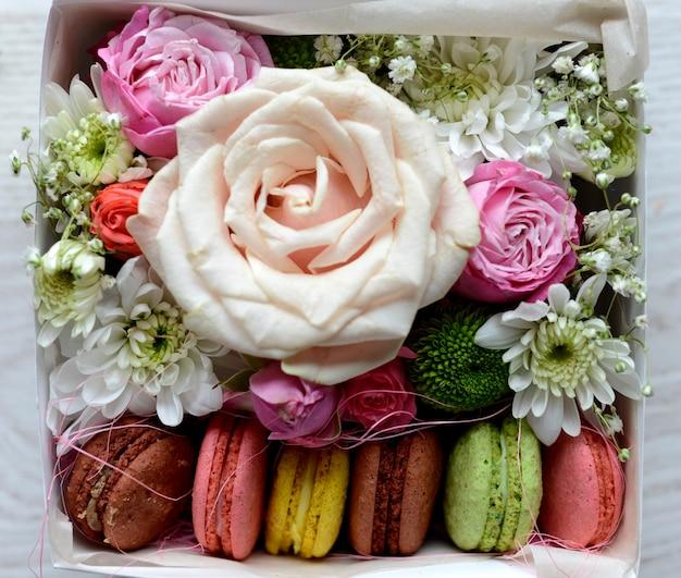 花と手作りマカロン