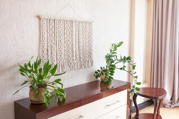 나무 막대기로 수제 마크라메 100면 벽 장식