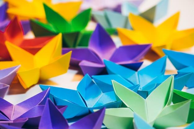 Оригинальные оригами, красочные пятиконечные звезды