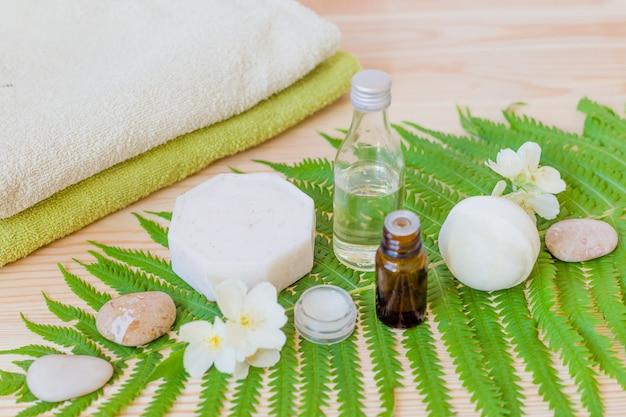 Мыло ручной работы с маслом для тела по дереву