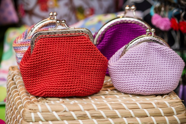 Закройте вверх по взгляду милые и традиционные handmade мешки хлопка.