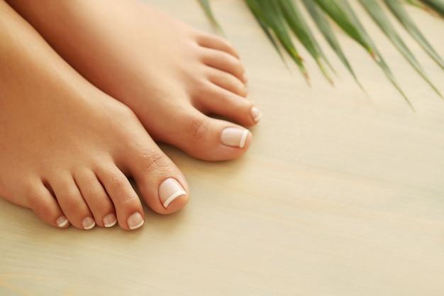 여자의 손과 발