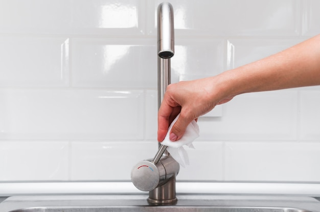 Hands disinfecting faucet