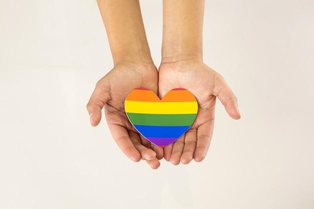 Lgbt 마음, 동성애 지원 개념을 잡고 손