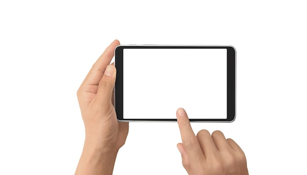 Руки, держащие планшет с пустым экраном, изолированные на белом фоне