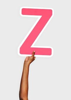 Руки, держащие букву z