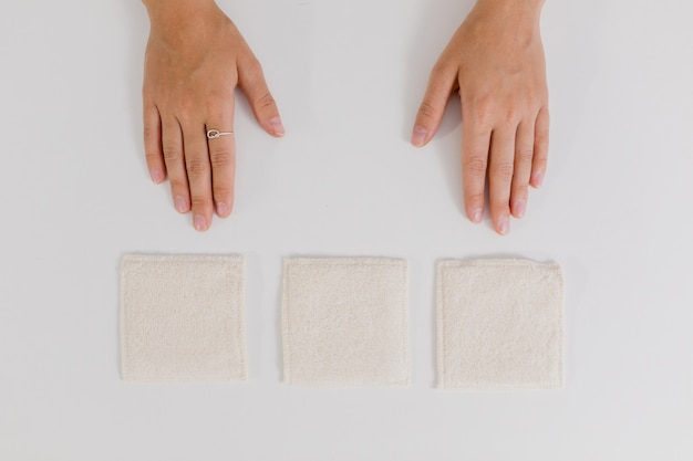 Hands and make up remover pads
