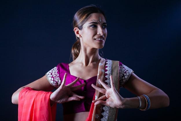インドの女性の手