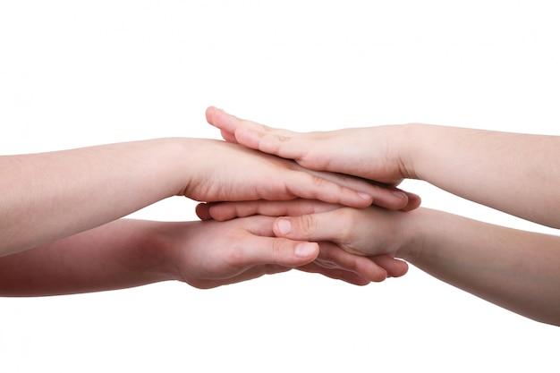 互いの上に手を
