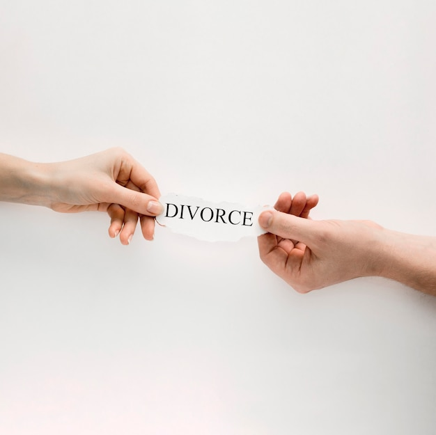 Hands with divorce