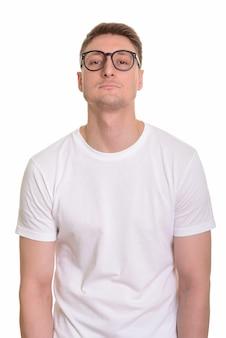 白で隔離のハンサムな白人男性
