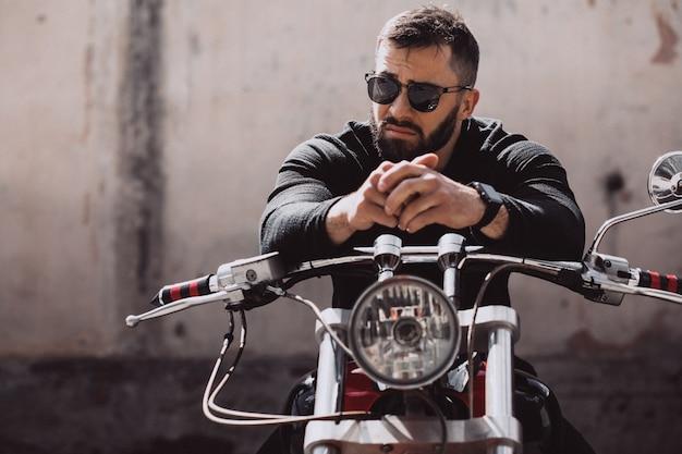 잘 생긴 남자 바이커 mototrcycle 여행