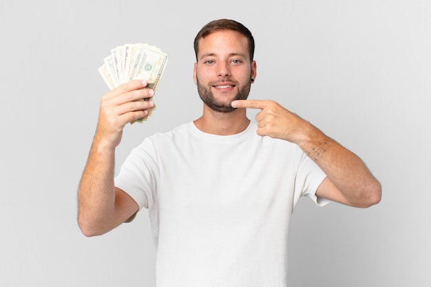 달러 지폐와 잘생긴 남자