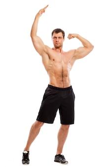 벌 거 벗은 상체와 잘 생긴 근육 질의 남자