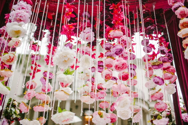 Hanging decoration of petals