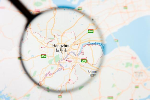 Ханчжоу, китай город визуализация иллюстративная концепция на экране дисплея через увеличительное стекло
