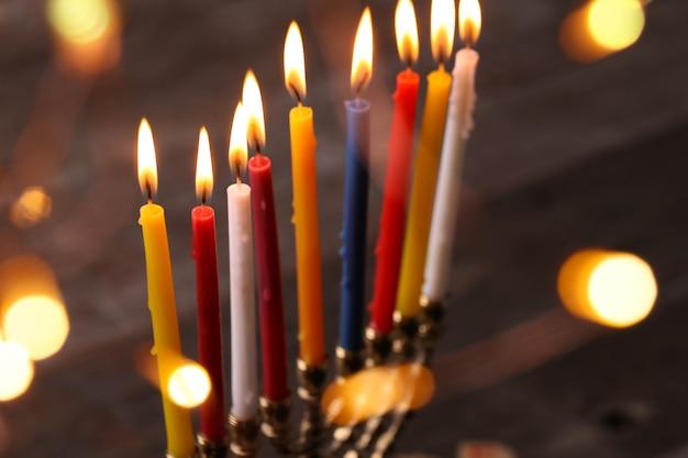 Украшение хануки свечами