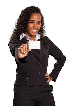 고립 된 방문 카드를 들고 행복 한 아프리카 계 미국인 비즈니스 여자