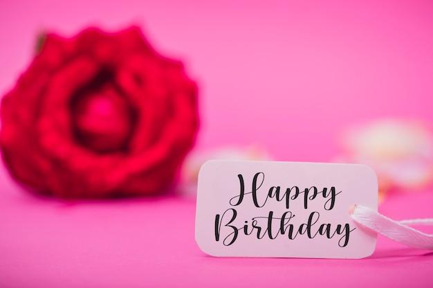 赤いバラとお誕生日おめでとうカード