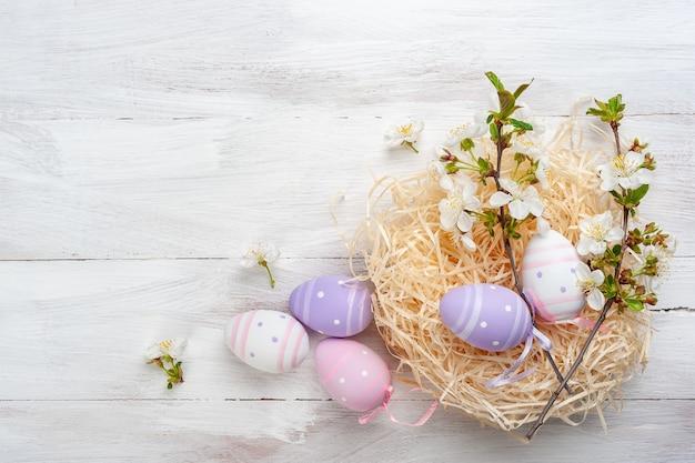 그려진 계란 행복 한 부활절 카드